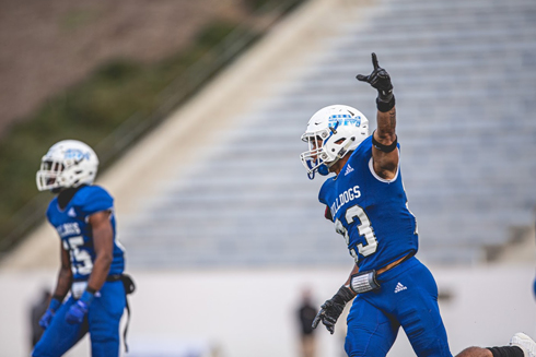 CSM goes back on offense down 10 after the Lailand fumble recovery. Photo by Patrick Nguyen.